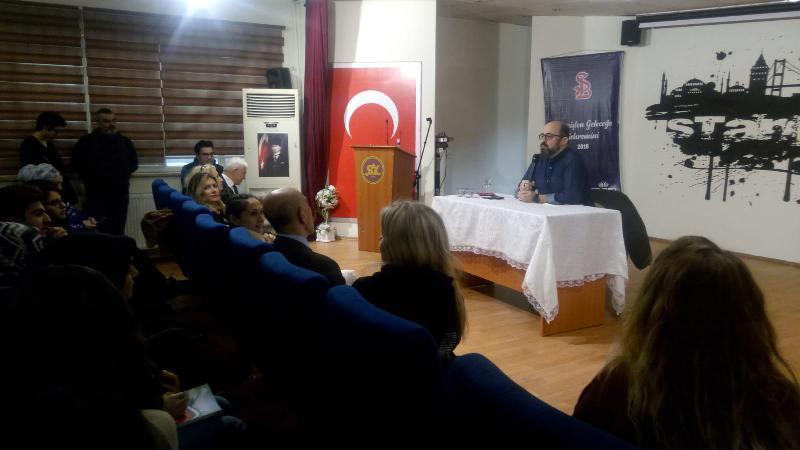 Prof. Dr. Sinan Canan öğrencilere 'Beyin, hızlı öğrenme ve yaratıcılık'ı anlattı
