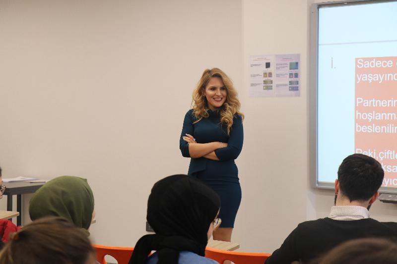 """Üsküdar Üniversitesinde """"İlişkilerin Bilinmeyenleri"""" ele alındı 2"""