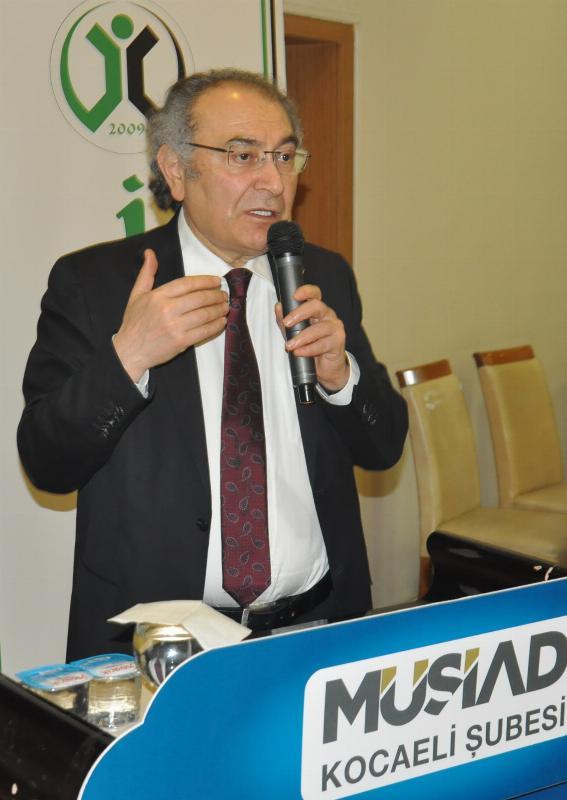 """Prof. Dr. Nevzat Tarhan'dan Kocaeli'nde """"Bilinçli Aile Olmak"""" Konferansı 2"""