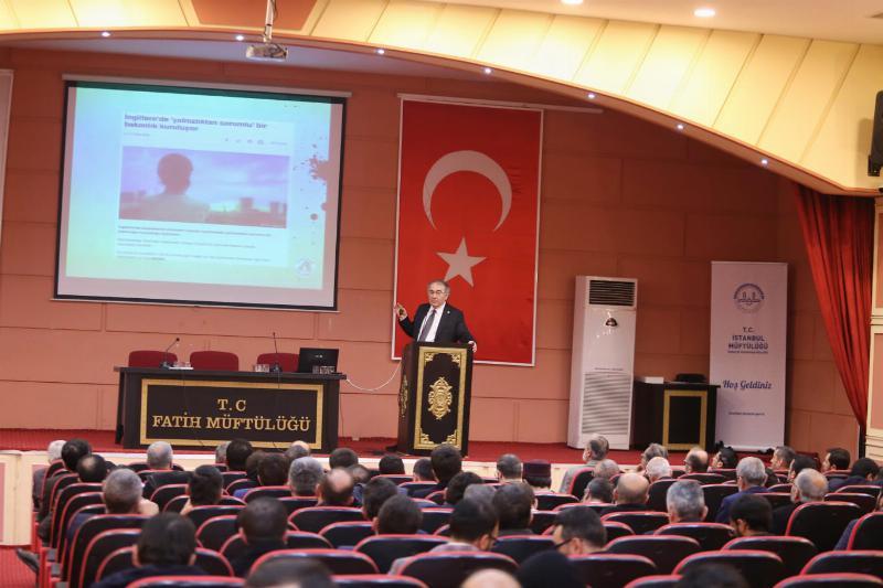 """Prof. Dr. Nevzat Tarhan: """"Çağın vebası yalnızlık"""""""