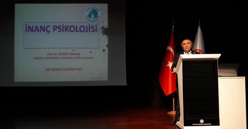 "Prof. Dr. Nevzat Tarhan Isparta'da üniversite öğrencilerine ""İnanç Psikolojisi"" ni anlattı 2"