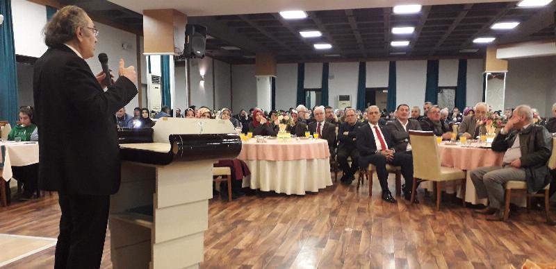 """Prof. Dr. Nevzat Tarhan: """"Aile içinde avukat gibi değil, hâkim gibi olunmalı"""""""