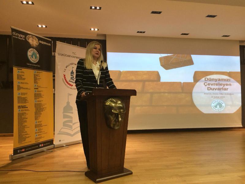 Prof. Dr. Deniz Ülke Arıboğan eğitimcilere 'Duvar' ı anlattı