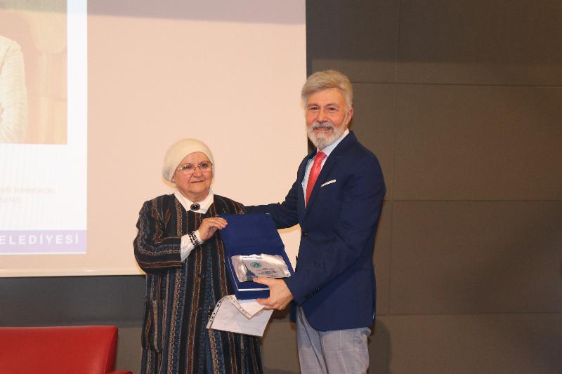 """Prof. Dr. Mim Kemal Öke: """"Allah'ı duymak aşk ve muhabbetle olur."""" 3"""