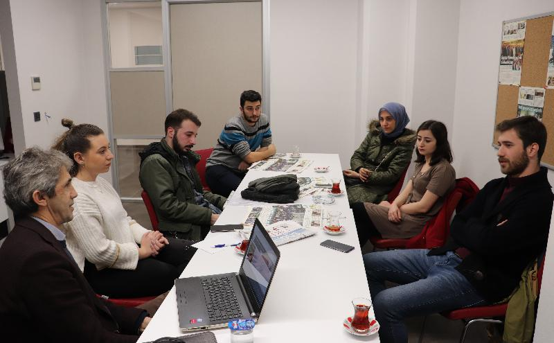 Yeni Medya ve Gazetecilik Bölümü mezunlarıyla buluştu