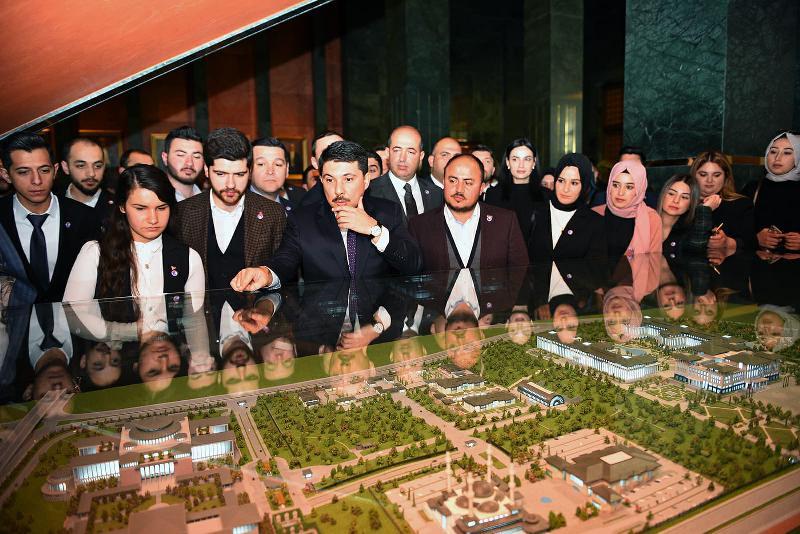 Üsküdar Üniversitesi öğrencisi Külliyeyi ziyaret etti 2