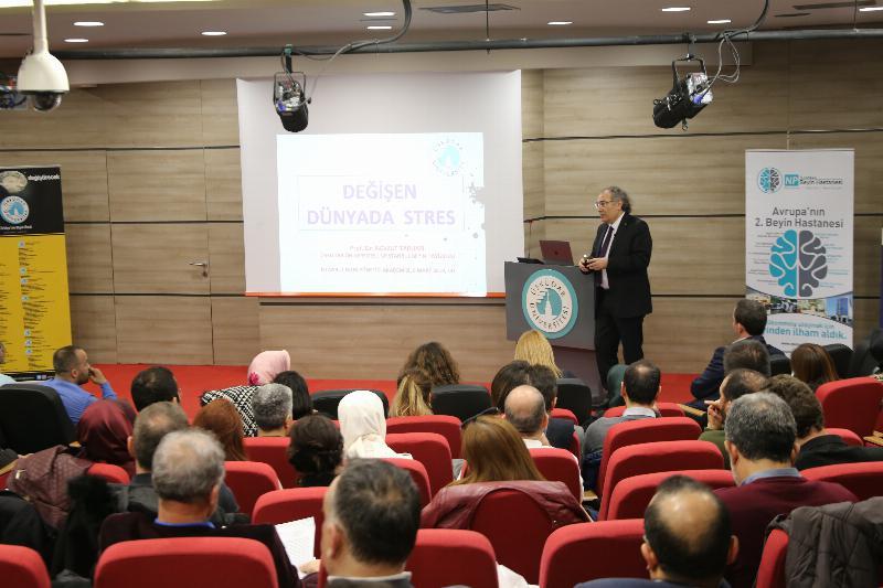 "Prof. Dr. Nevzat Tarhan: ""Genç kuşak buyurgan yaklaşımdan rahatsız"""