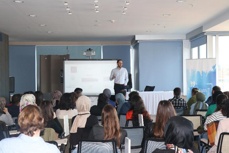 Üsküdar Üniversitesinde Start-Off Tedarik Zinciri konferansı gerçekleşti