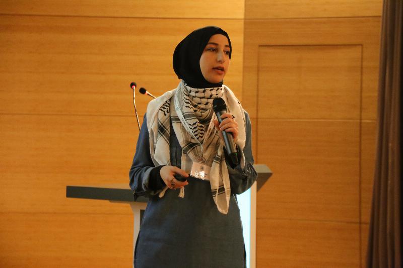 Uluslararası öğrenciler ülkelerindeki kadınları anlattı 8