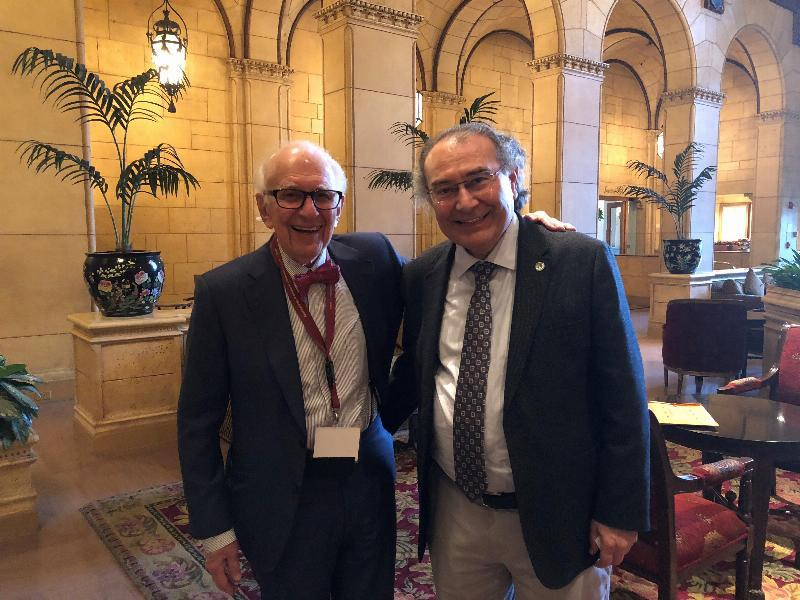 Prof. Nevzat Tarhan and Nobel Prize Winner Eric Kandel met at Golden Axon Awards Ceremony 4