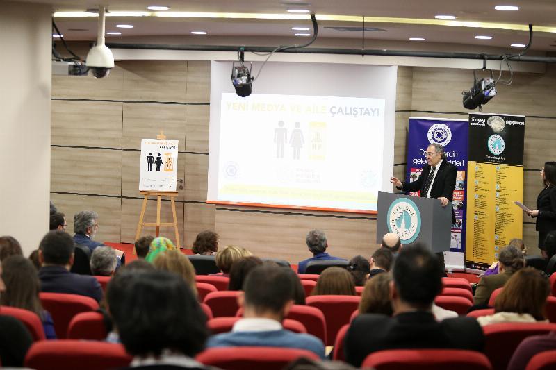'Yeni Medya ve Aile Çalıştayı' Üsküdar Üniversitesinde yapıldı