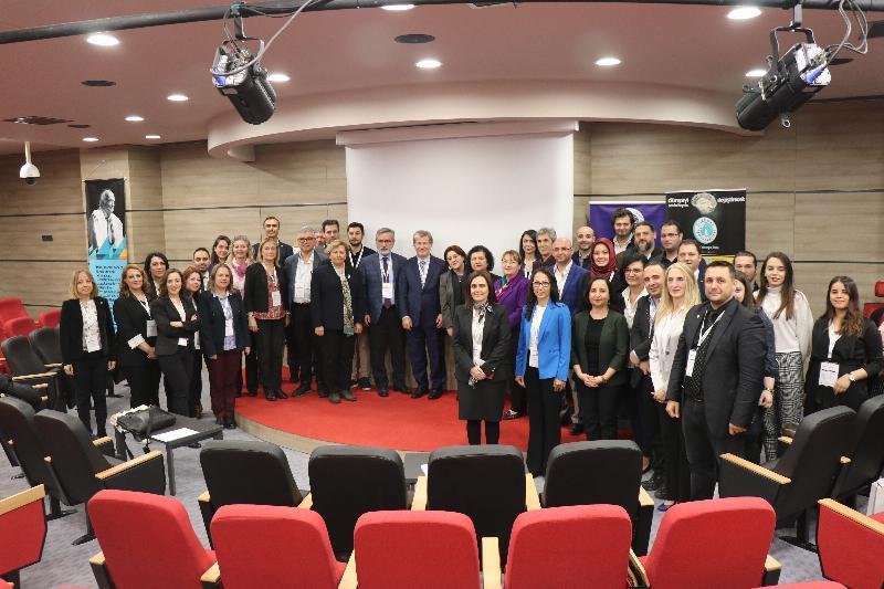 'Yeni Medya ve Aile Çalıştayı' Üsküdar Üniversitesinde yapıldı 13