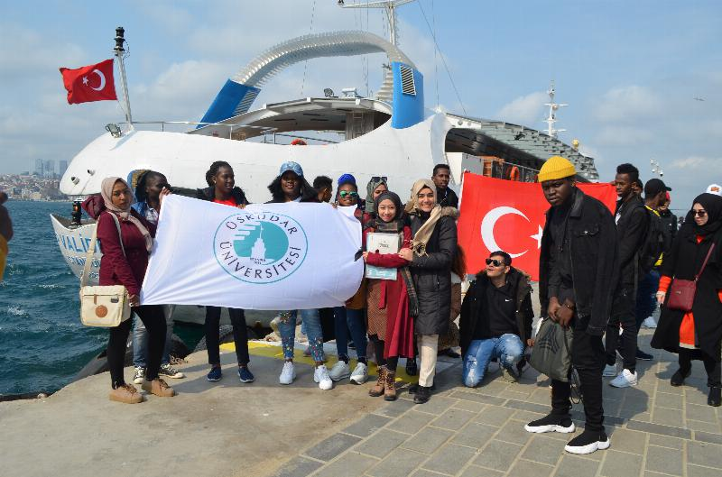 ÜSTÖMER students enjoyed a trip at Bosporus