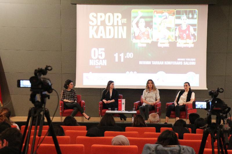 Milli takım voleybol oyuncuları Üsküdar'da