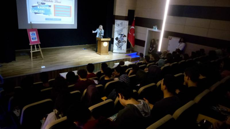 Prof. Dr. Arıboğan, Samiha Ayverdi Anadolu Lisesinde öğrencilerle buluştu
