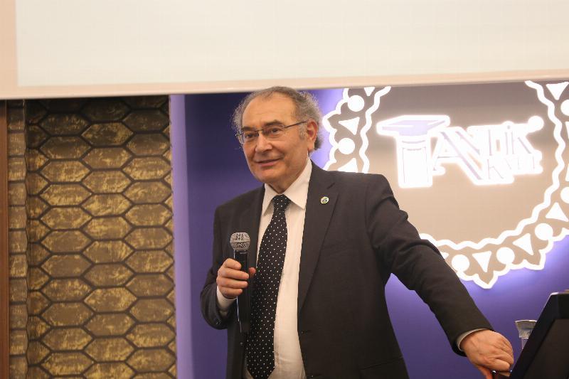 Prof. Dr. Tarhan Kocaeli'nde eğitimcilerle bir araya geldi 2