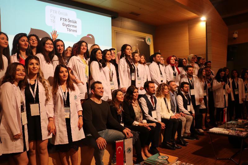 Fizyoterapi ve Rehabilitasyon öğrencileri beyaz önlüklerini giydi! 5