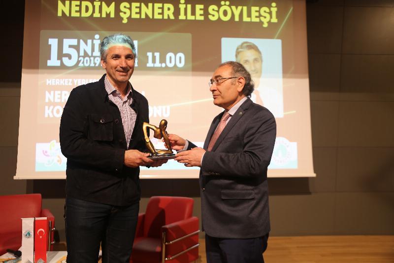 Gazeteci Nedim Şener Üsküdarlı öğrencilerle buluştu 3