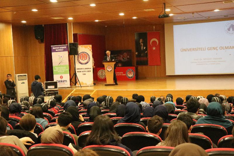 """Prof. Dr. Nevzat Tarhan: """"İmam Hatipler Türkiye'nin şansıdır"""""""