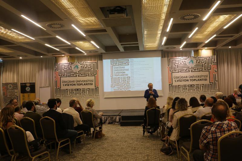 """Üsküdar Üniversitesi """"Vizyonu"""" konuşuldu"""