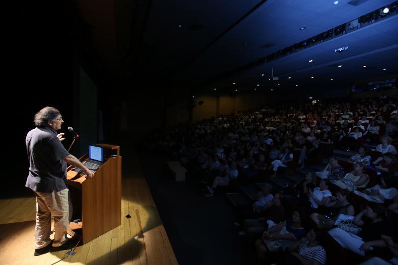 """Prof. Dr. Nevzat Tarhan eğitimcilere """"Beyin Temelli Eğitim"""" i anlattı"""