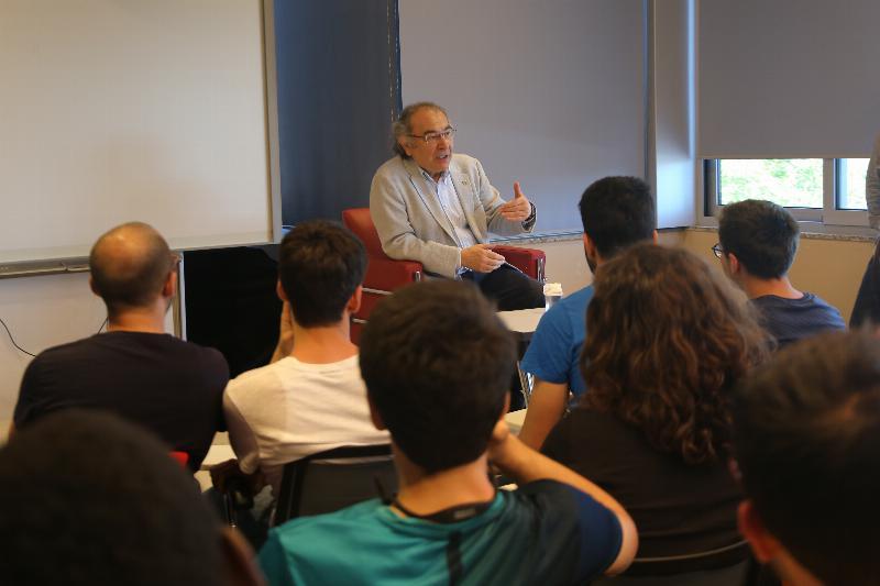 Prof. Dr. Nevzat Tarhan'dan tıp öğrencilerine önemli tavsiyeler