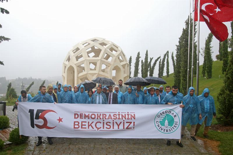 Üsküdar Üniversitesi 15 Temmuz Şehitler Anıtını ziyaret etti
