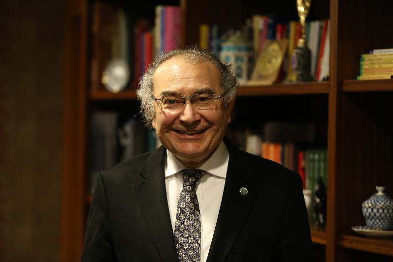 """Prof. Dr. Nevzat Tarhan: """"Hayalim Nobel'e aday olacak öğrenciler yetiştirmek"""""""