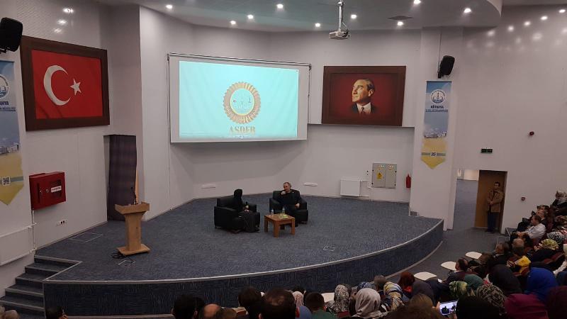 """Prof. Dr. Nevzat Tarhan """"Aile İçi İletişim"""" başlıklı söyleşide Kütahyalılarla buluştu"""