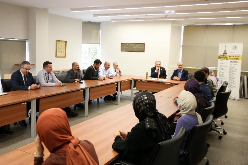 Prof. Dr. Nevzat Tarhan öğrenci konseyi üyeleri ile bir araya geldi