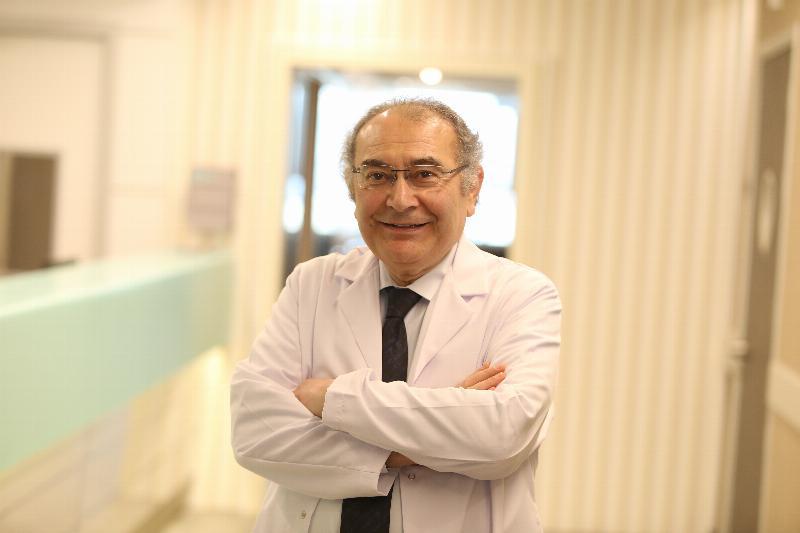 """Prof. Dr. Nevzat Tarhan: """"Toplu intiharda psikolojik otopsi önemli"""""""