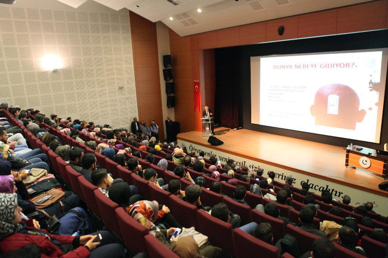 Adıyaman Üniversitesinde Prof. Dr. Nevzat Tarhan Konferans verdi
