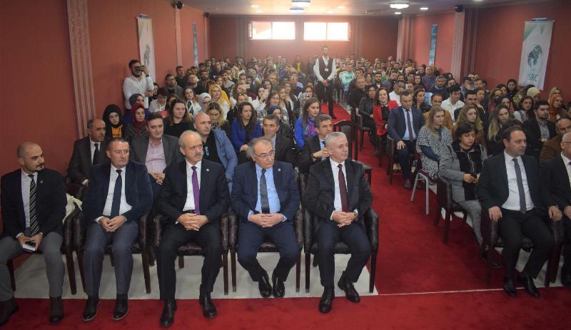 Prof. Dr. Nevzat Tarhan Makedonya'da Vizyon Üniversitesi öğrencileriyle buluştu