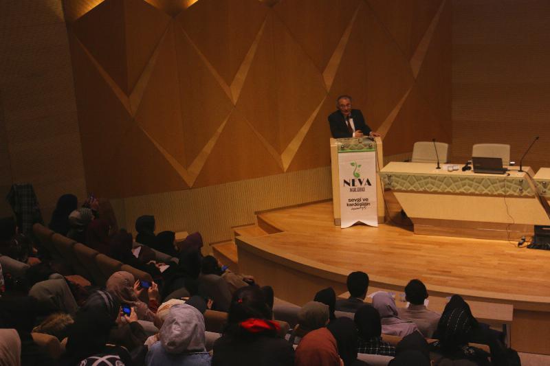 """Prof. Dr. Nevzat Tarhan """"Unisex bir dünya kültürü oluşturulmaya çalışılıyor """""""