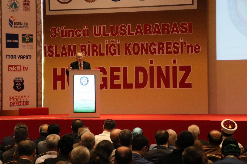 """Prof. Dr. Tarhan: """"İslam birliği dünya için bir tehdit değil bir dengedir"""""""