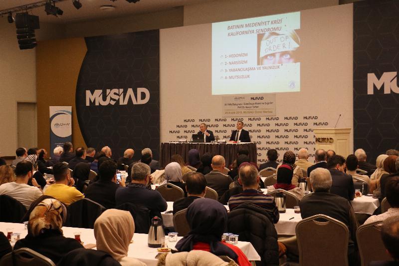 """Prof. Dr. Nevzat Tarhan: """"İyi insan olmak sadece erdemli olmak değildir"""""""