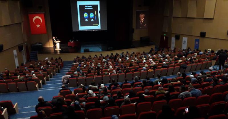 """Prof. Dr. Nevzat Tarhan: """"Türkiye'nin güvenlik sorunu gençler ve aile"""""""