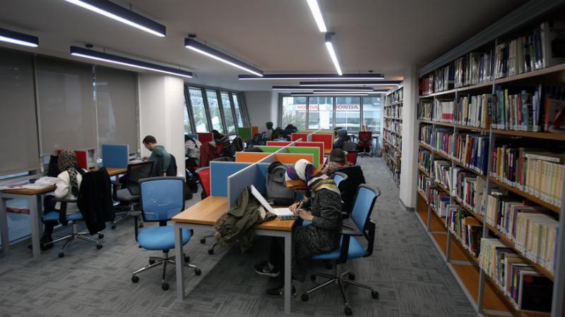 Üsküdar Üniversitesi kütüphane