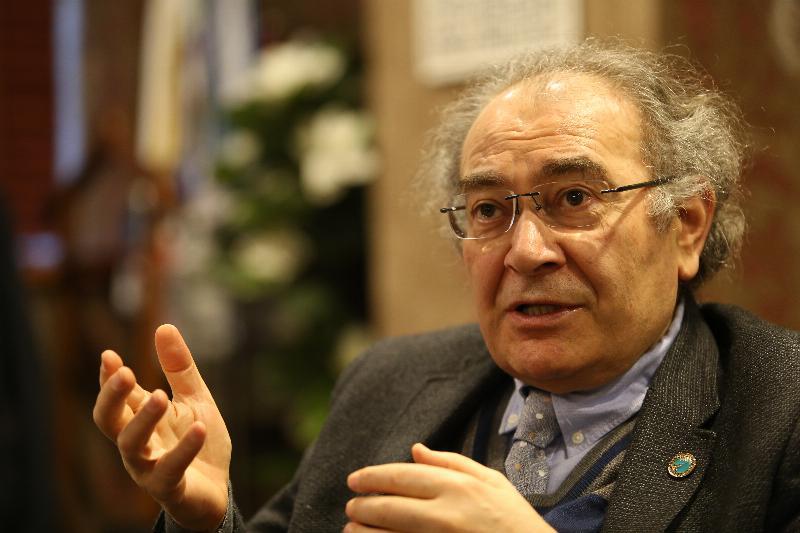 """Prof. Dr. Nevzat Tarhan: """"Madde Kullanmak Beyne Rüşvet Vermektir"""""""