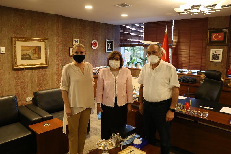 Fatma Şahin, Prof. Dr. Tarhan'ı Makamında Ziyaret Etti