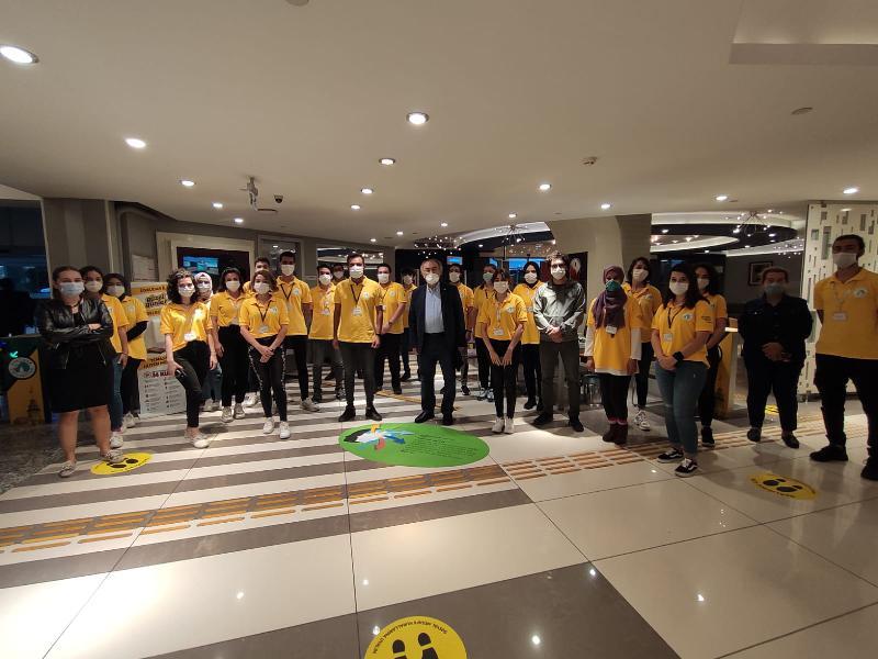 Prof. Dr. Nevzat Tarhan Sarı Tişörtlülerle Bir Araya Geldi