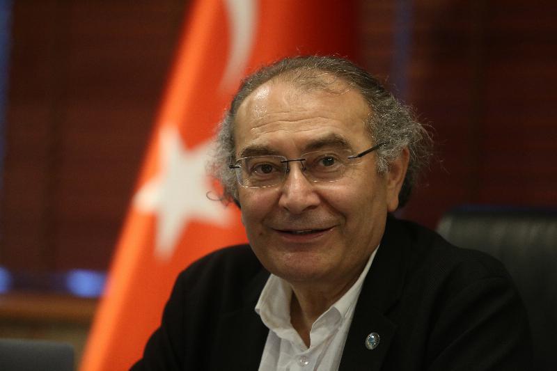 """Prof. Dr. Nevzat Tarhan: """"Herkesin çantasında bir AR-GE projesi olmalıdır"""""""