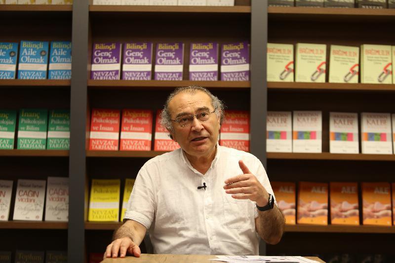 Bilinçli Genç Olmak Kitabı da Arnavutça'da